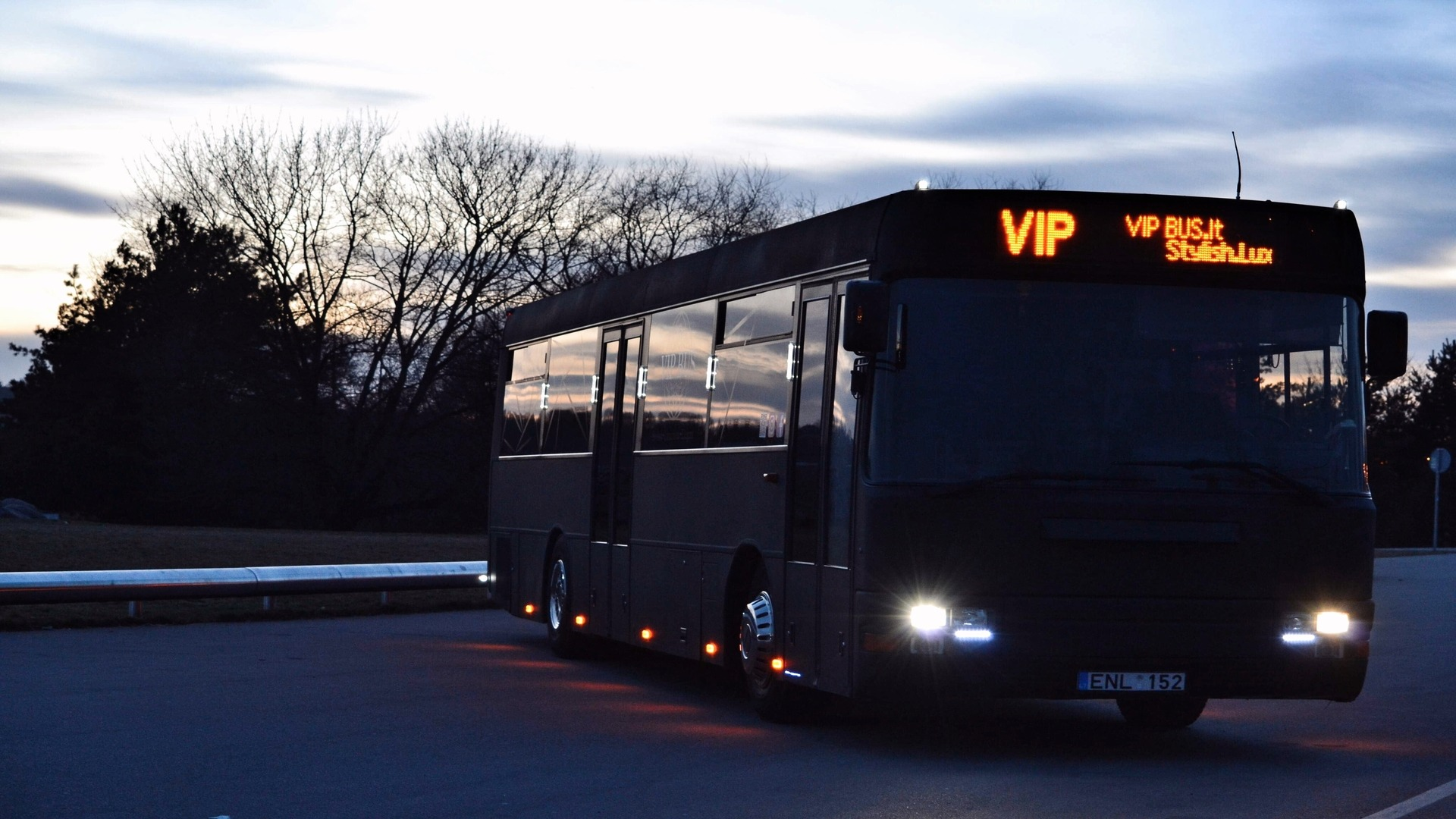 cover xl vip bus